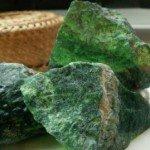 Камень жадеит, его магические свойства и влияние на владельца