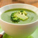 Крем-суп из брокколи – отличный способ выглядеть лучше