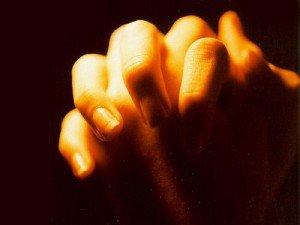 Pravila-molitvy-kak-nujno-molitsya-Bogu