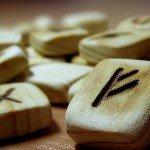 Гадание на рунах на любовь: северная мудрость